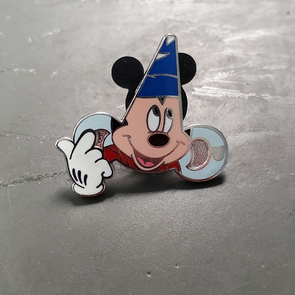 SOLD Sorcerer Mickey pin